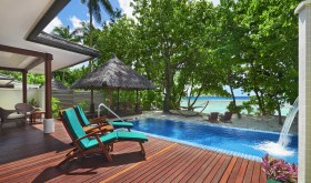 Deluxe_Beachfront_Pool_villa_1-l